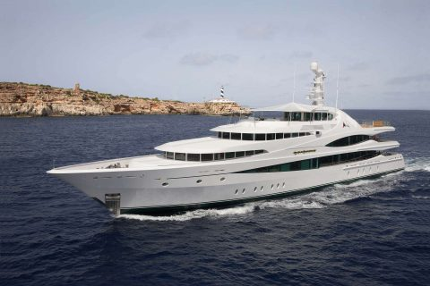 MY Lady Christine (68m / 224ft, Feadship)